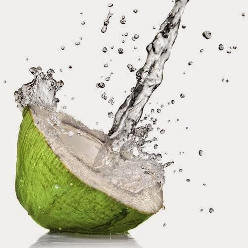 Manfaat air kelapa untuk kecantikan kulit