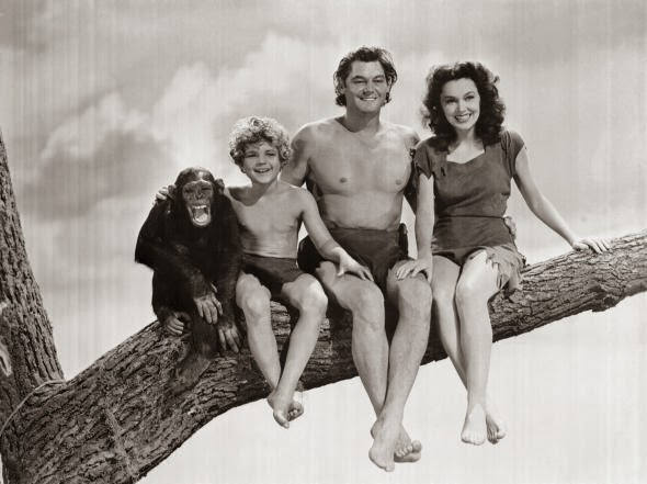 Tarzán y su familia posando para www.entreelcaosyelorden.com