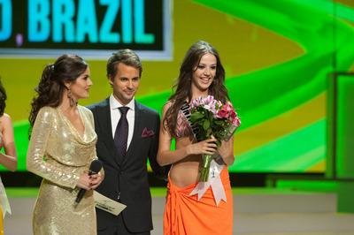 miss universe congeniality 2011 winner montenegro nikolina loncar