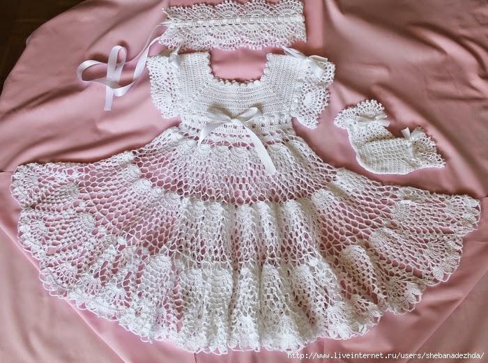 Vestido de bautismo al crochet con patrones