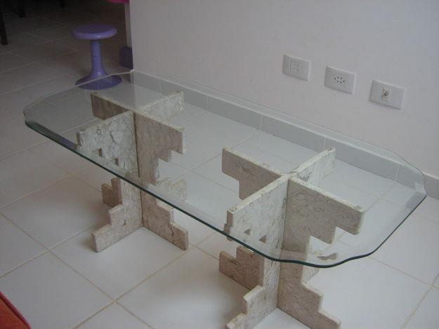 foto de mesa de vidro modelado
