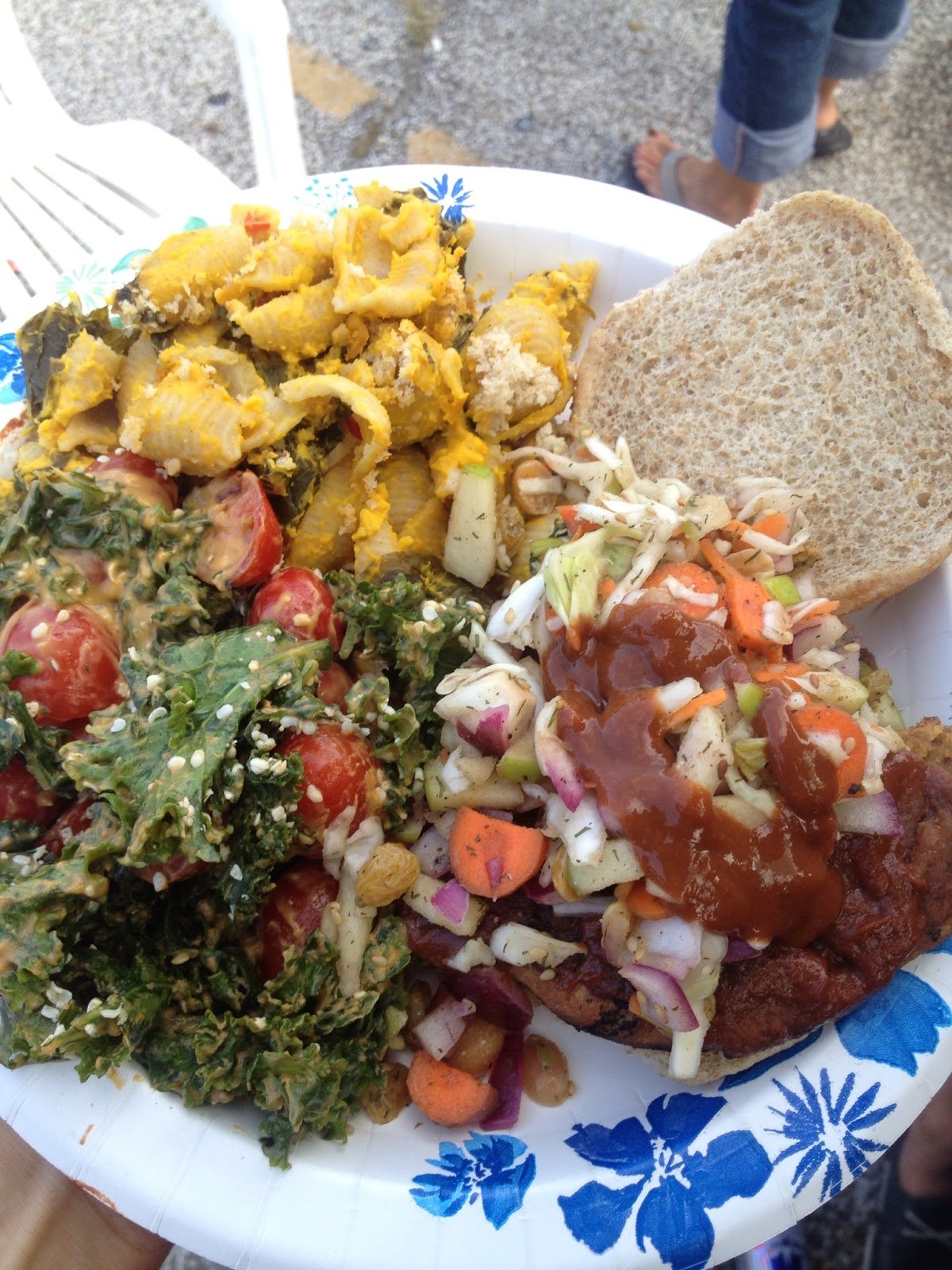 Hold the Pigskin: A Vegan Tailgate Blog: Sawwwce is Boss ...