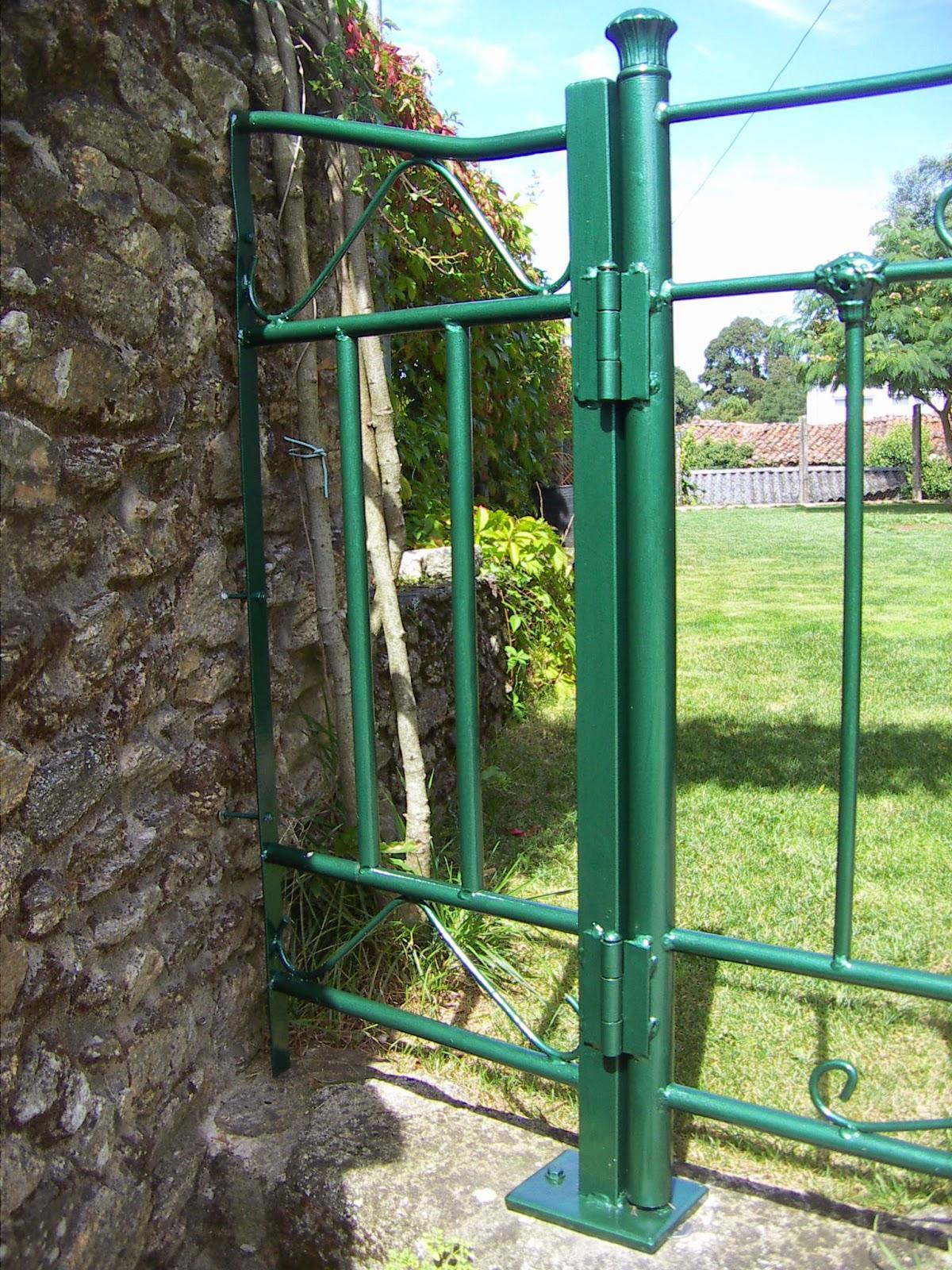 Puertas de hierro para jardin puerta de hierro forjado - Puertas metalicas jardin ...