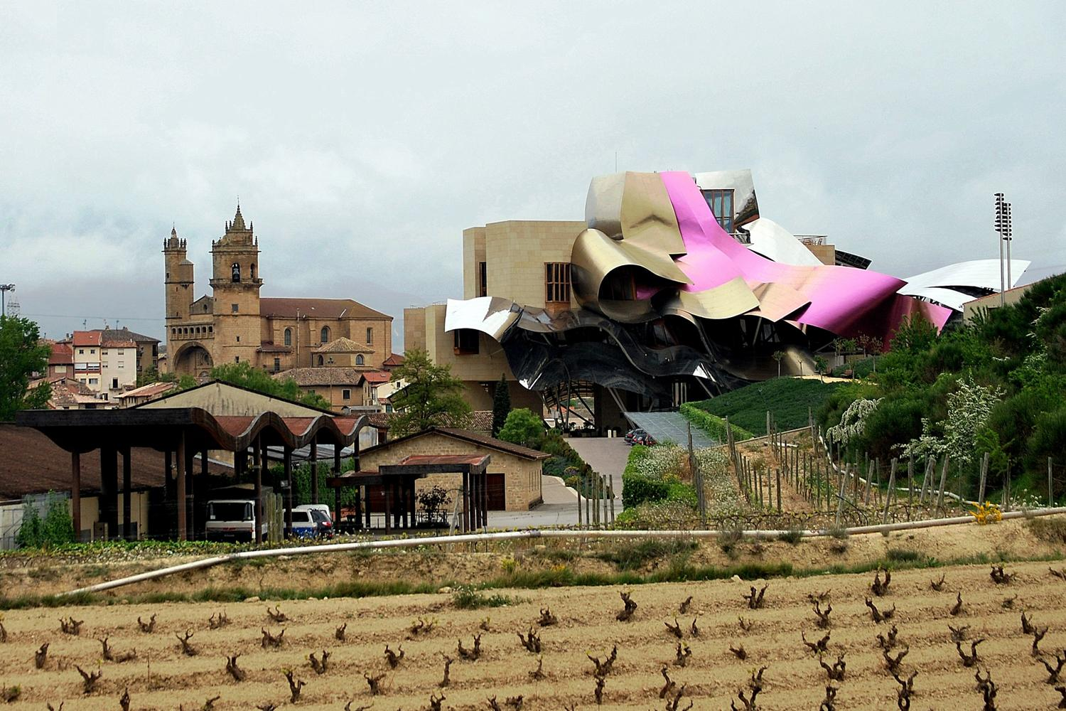 Frank gehry a f a s i a for Bodegas marques de riscal