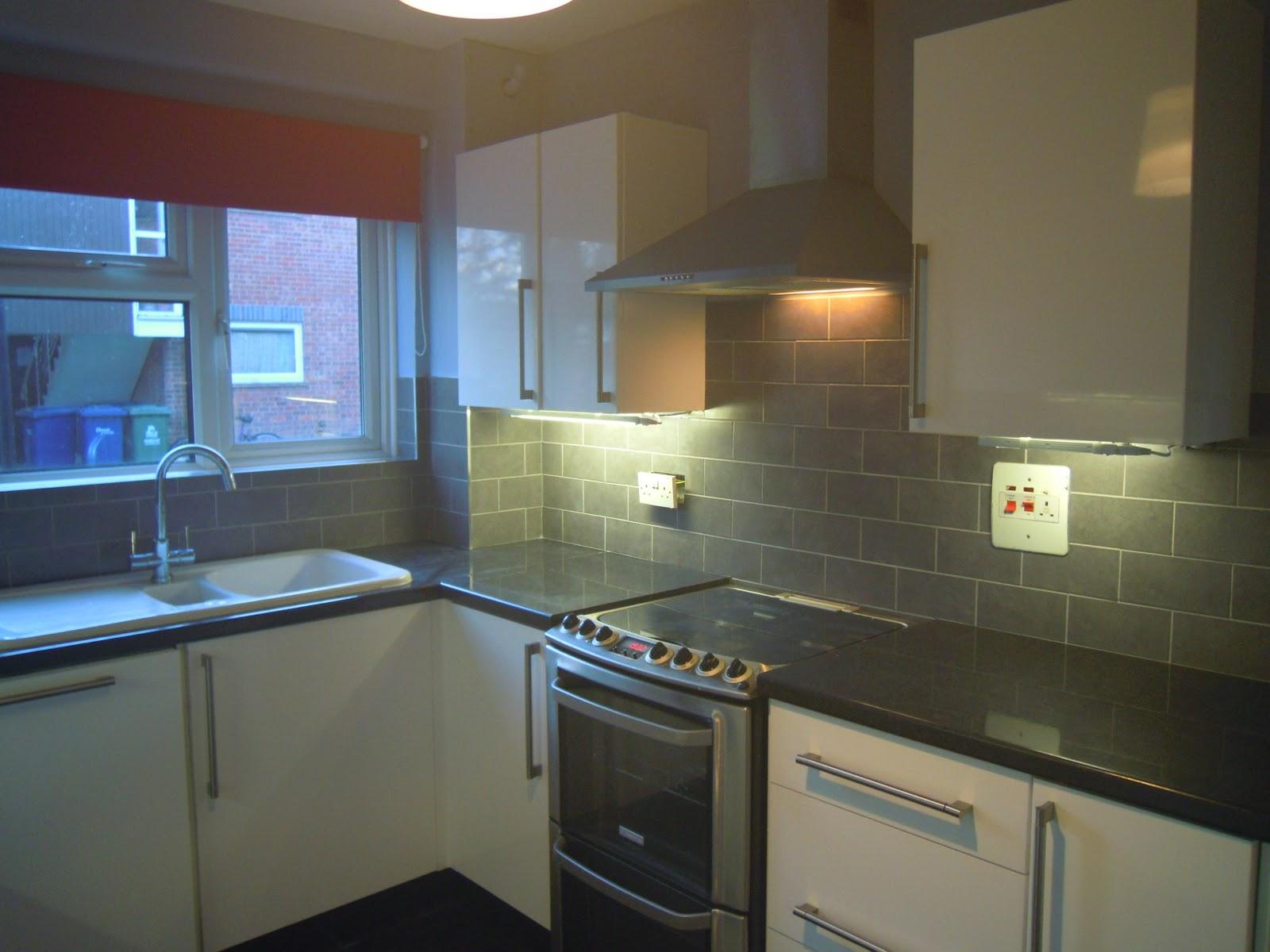 http://2.bp.blogspot.com/-FNjbbFG4brY/Tya6g5ybDOI/AAAAAAAAACw/1ZlFBmYtUDA/s1600/Smooth+Design+Tiling+Kitchen+Cambridge+2.jpg