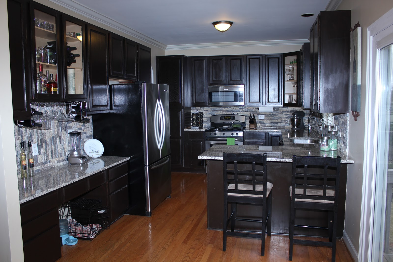 Your fabulous life do it yourself kitchen cabinet refacing for Do it yourself kitchen cabinets