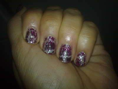 Crackled glittery party nails