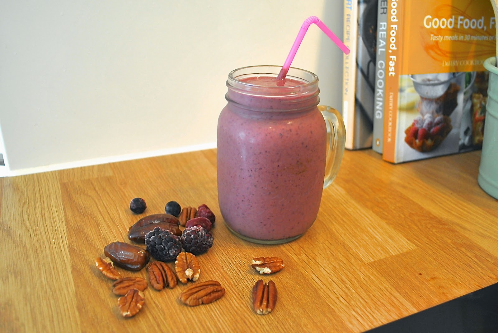 Berry, date and pecan smoothie