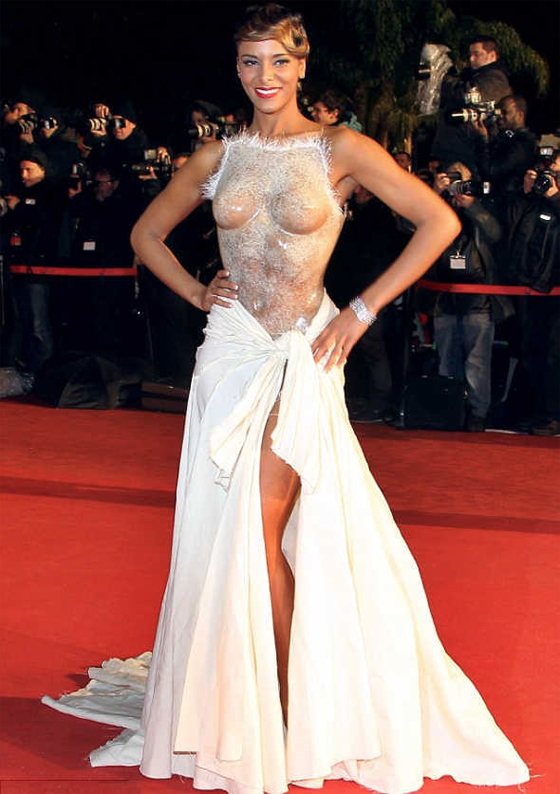 Shy'm ose un corset ultra sexy aux NRJ Music Awards!