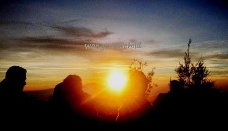gunung penanjakan tempat menyaksikan matahari terbit di gunung bromo