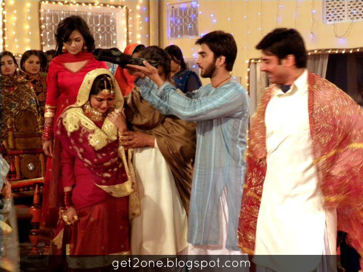 Sanam Baloch Married http://get2one.blogspot.com/2011/06/sanam-baloch-with-fawad-sanam-baloch.html