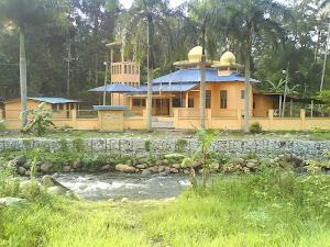 Masjid Jumaat Terdekat : MASJID PANGSUN - 3km dari Chalet