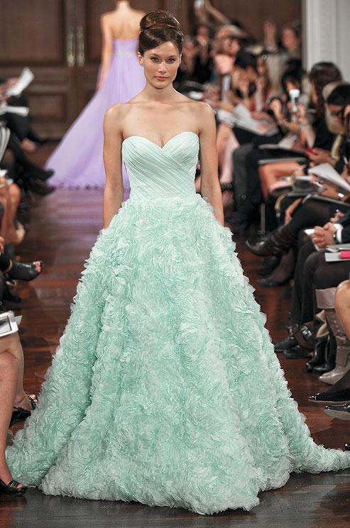 Noiva com classe vestido de noiva verde de v rios tons for Wedding dress color meanings