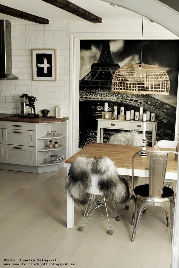 långhårigt fårskinn, island skinn, fårskinn på stolar, artprint, artprints, prints, print, matbord, matstolar, matsal, gekås, tips, inredning, svart och vitt, svartvita, tavla, tavlor, konsttryck, poster