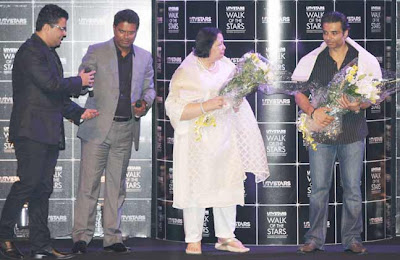 Yash Chopra's statue unveiled by  Pamela Chopra
