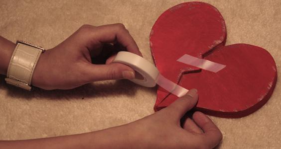 Broken, heart, putus, cinta, terluka, hati, kecewa, berpisah