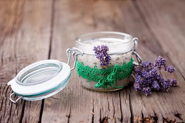 Hỗn hợp hoa oải hương và muối