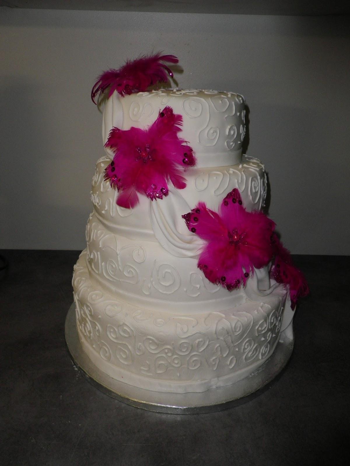 gâteaux les deux étages suivants sont des génoises garnies de ...