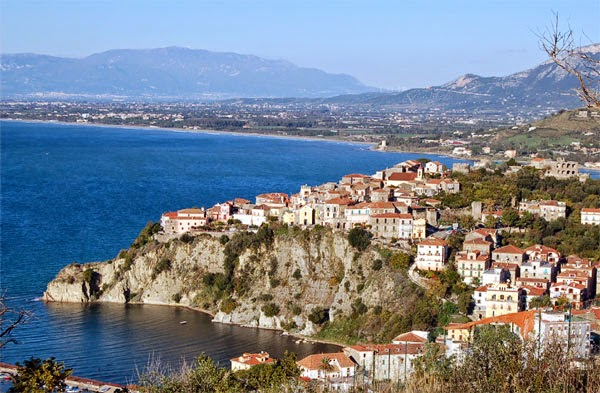 город в италии на море