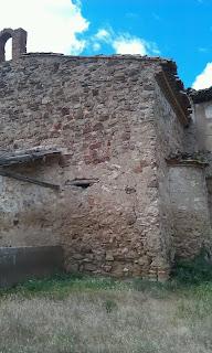 Campanario y ábside de la ermita de Nuestra Señora de la Merced en la torre de Anchís de Calatayud