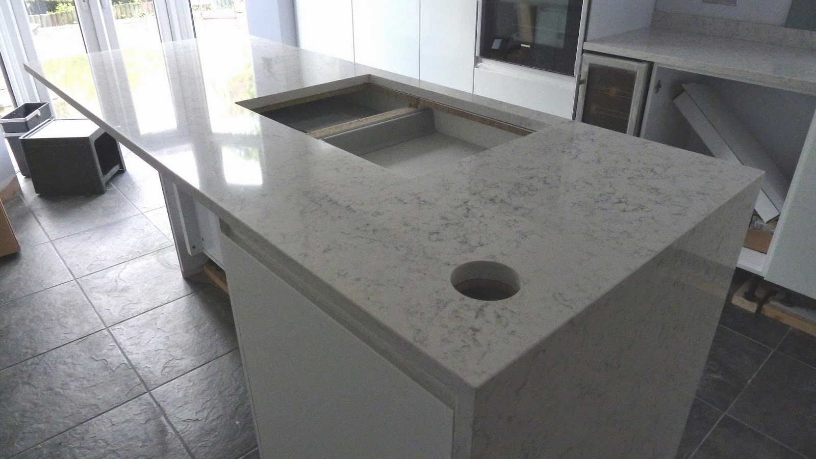 Kitchen island unit sink hob - Kitchen Island With Hole Cut Out For The Pop Up Sockets Amp Usb