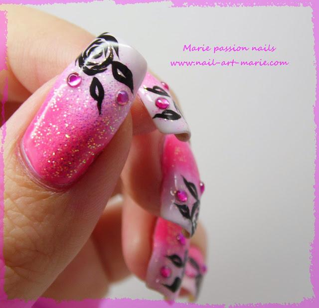 Nail art dégradé coloré et roses noires2