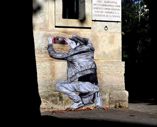 "Constantly busy on the streets of Paris, Levalet is back with a brand new artwork which is entitled ""Liberation""."