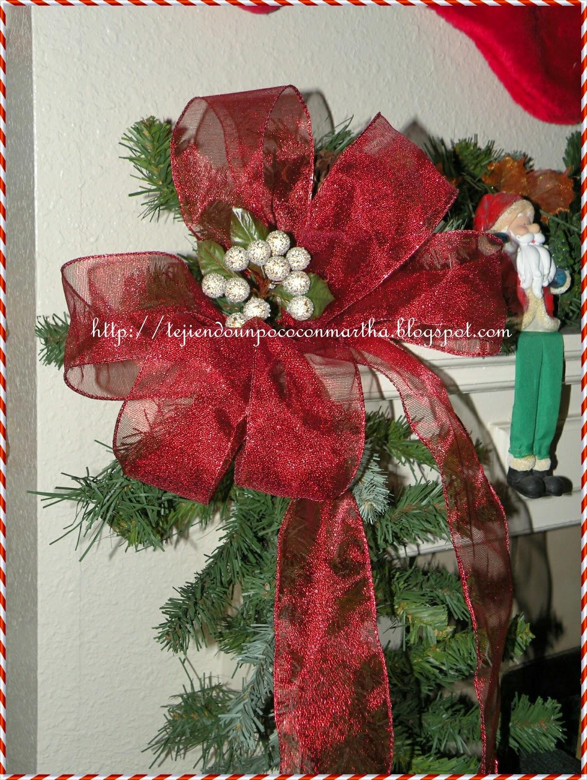 Tejiendo un poco con martha un lazo sencillo para el - Lazos para arbol de navidad ...
