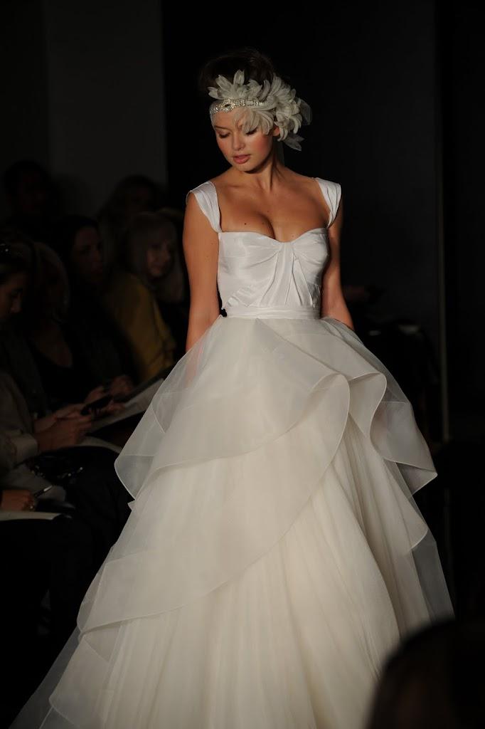 Reem_Acra_Wedding_Dress_Feather_Headband