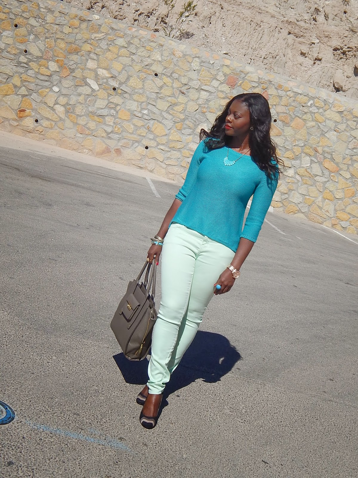 f958b3d4486 Hello Yvonne  Outfit of the Day (Casual)  Hint of Turquoise with Mint!