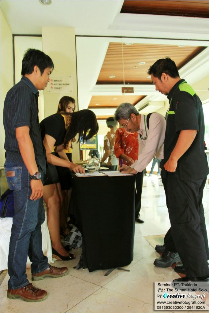 event organzer dan fotografer di solo untuk acara seminar kantor
