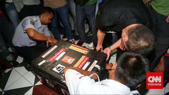 CVR AirAsia Sudah Ditemukan, Tinggal Diangkat