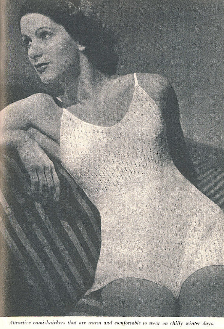 The Vintage Pattern Files Free Pattern 1940's Knitting - Cami-Knickers