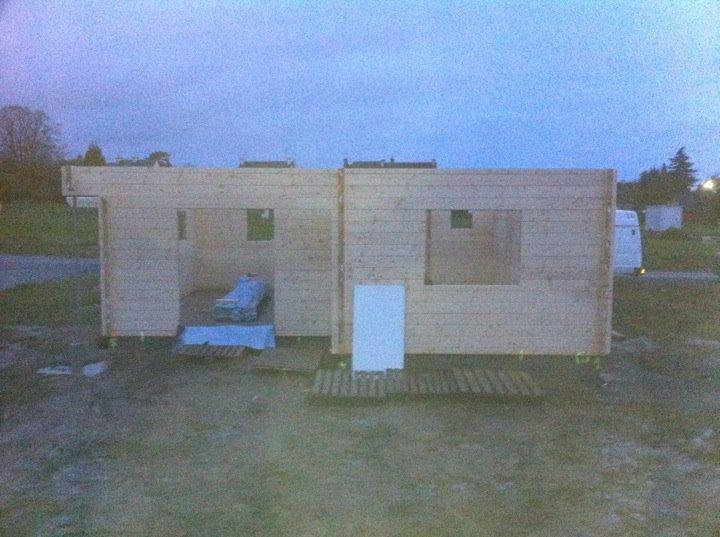 ma maison bois en kit massif bretagne le 19 d cembre. Black Bedroom Furniture Sets. Home Design Ideas