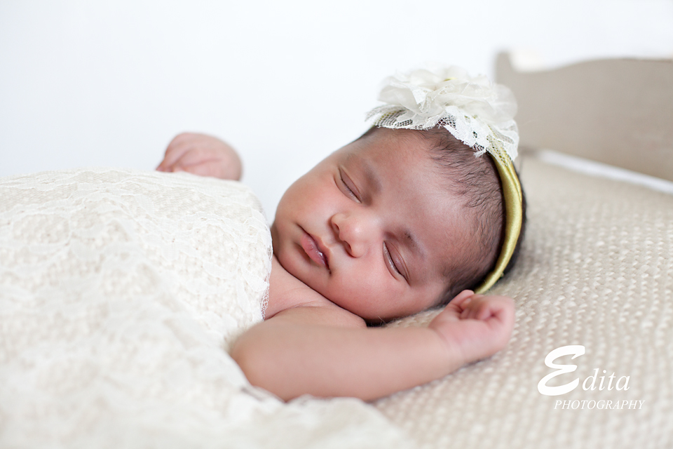 Newborn baby girl photo shoot 12 days newborn baby photographer in pune