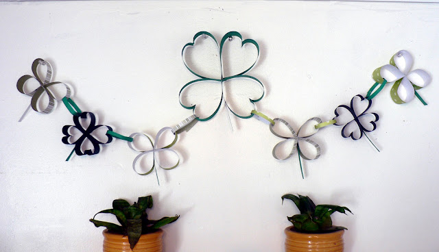 Paper Shamrock Chain craft, clover craft, St. Patrick's Day Craft