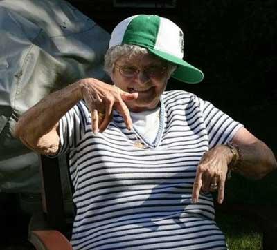 Nenek Nenek Gaul   My Life Is So Daisy