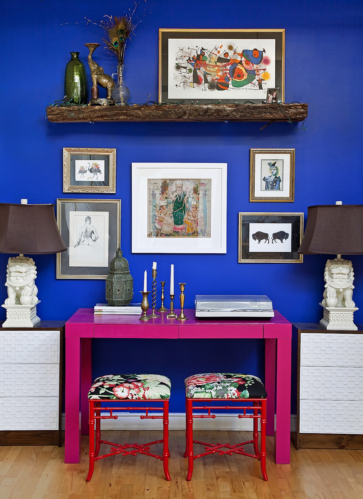 http://2.bp.blogspot.com/-FSNhBLP-hc0/T8UuaItoArI/AAAAAAAASVk/H-_8m3nTbeo/s1600/blue+wall+pink+parsons+desk+ikea+rast+cabinet+foo+dog+lamp+design+manifest.jpg
