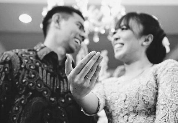Pernikahan Fitri Tropica dan Irfan Bernuansa Klasik