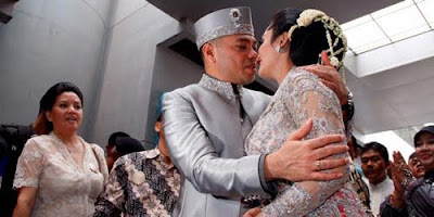 Foto Pernikahan KD dan Raul 2