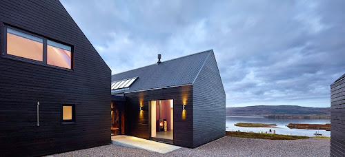 The Simple House Inspired by A Black Shed