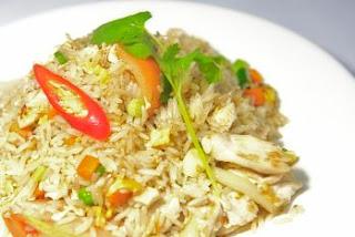 """<img src=""""arroz-integral-con-pollo.jpg"""" alt=""""es una receta nutritiva, saludable y que aporta fibra, proteína, vitaminas y minerales"""">"""