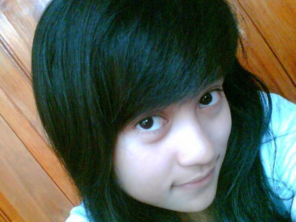 http://2.bp.blogspot.com/-FT28sMGBMeM/TZBCWcTmM6I/AAAAAAAAAFQ/NtK5xbsTyEw/s1600/foto-cewek-cantik.jpg