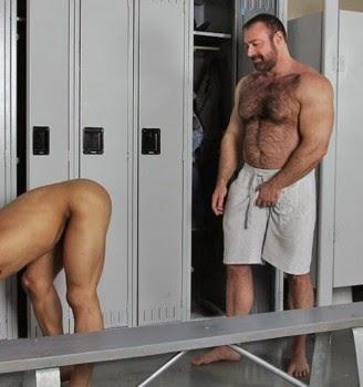 naked men humping wimen