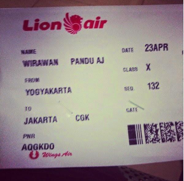 Tiket Pesawat Pertama
