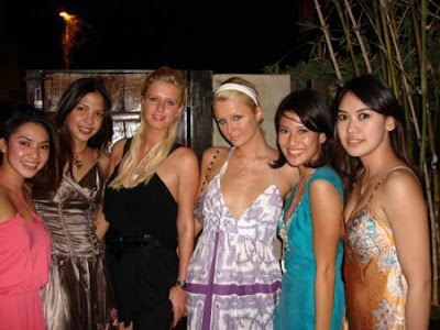 paris hilton with her best friends