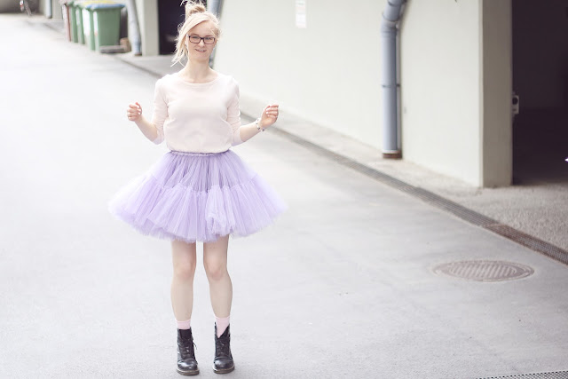 pastel colours outfit