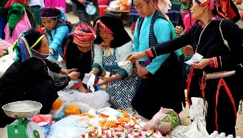 Náo nức đi chợ phiên Lũng Phìn Hà Giang