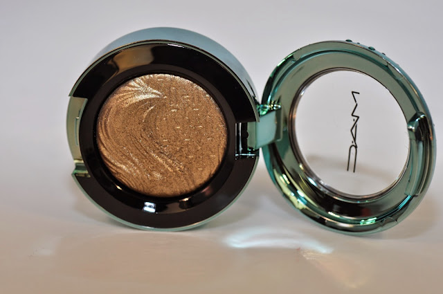 MAC Sea Worship extra dimension eye shadow