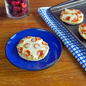 mini english muffin pizzas makes 12 mini pizzas 25 minutes